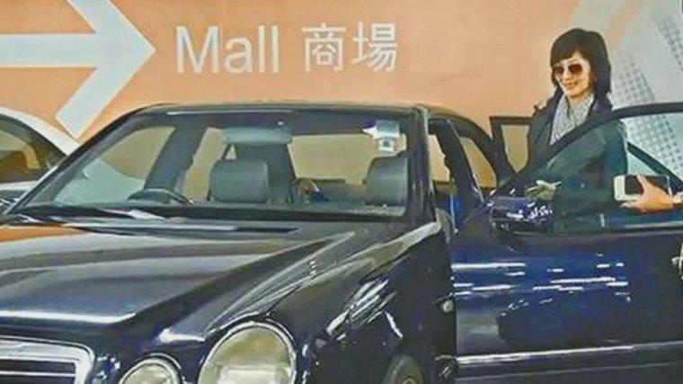 赵雅芝的座驾,一辆车用20多年,富豪老公退休甘愿做司机