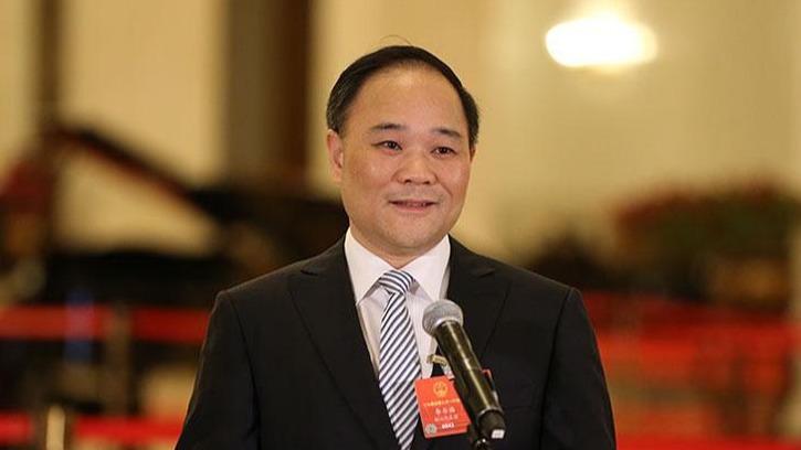 吉利董事长李书福两会建言:关注电动汽车运输与货车电动化