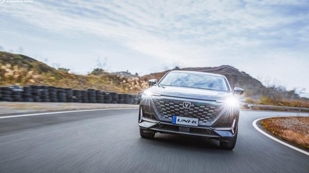2021年2月28日,长安UNI-K正式开启预售,新车定位为中大型五座SUV,共推出4款车型,预售价格区间为15.79-18.89万元。