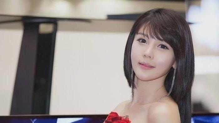 韩国车模李智友清纯容颜完美身材
