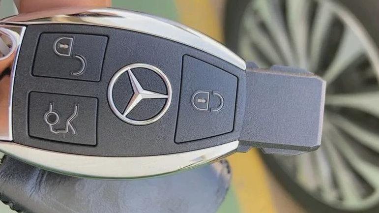 售价99.8万的国产SUV,一次性降价55万,为什么老百姓不