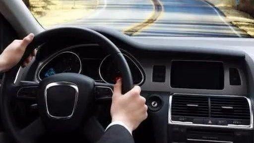 怎么判断一个人开车技术高低有这3个开车习惯,基本就是高手