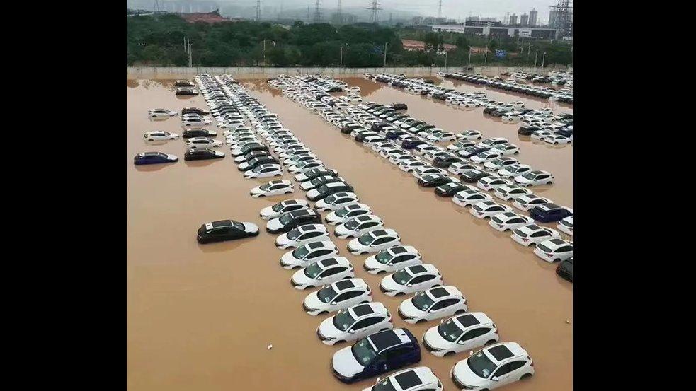 一场暴雨再戳新能源汽车痛点:为什么受伤的总是我!