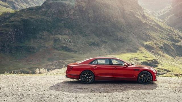 251.80万元 宾利飞驰V8版本车型国内售价公布
